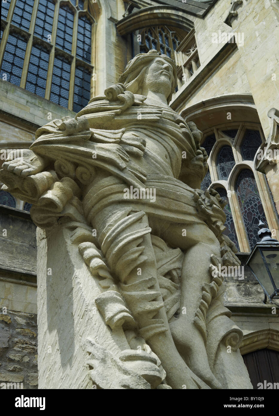 Bath Abbey, Somerset, statue of risen Christ, 2000, by local sculptor Laurence Tindall - Stock Image