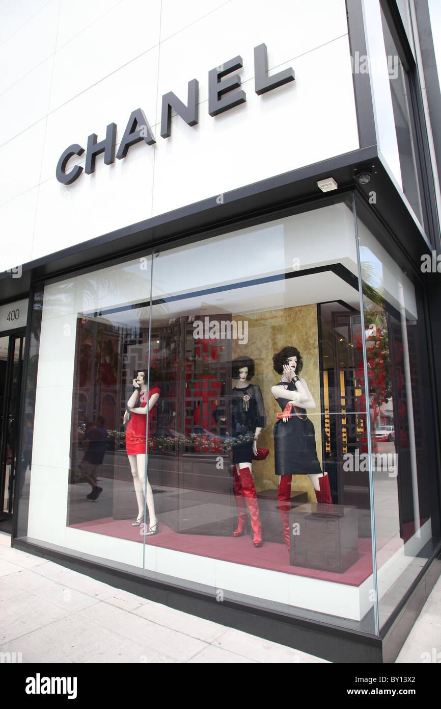 Chanel Logo Stock Photos Amp Chanel Logo Stock Images Alamy