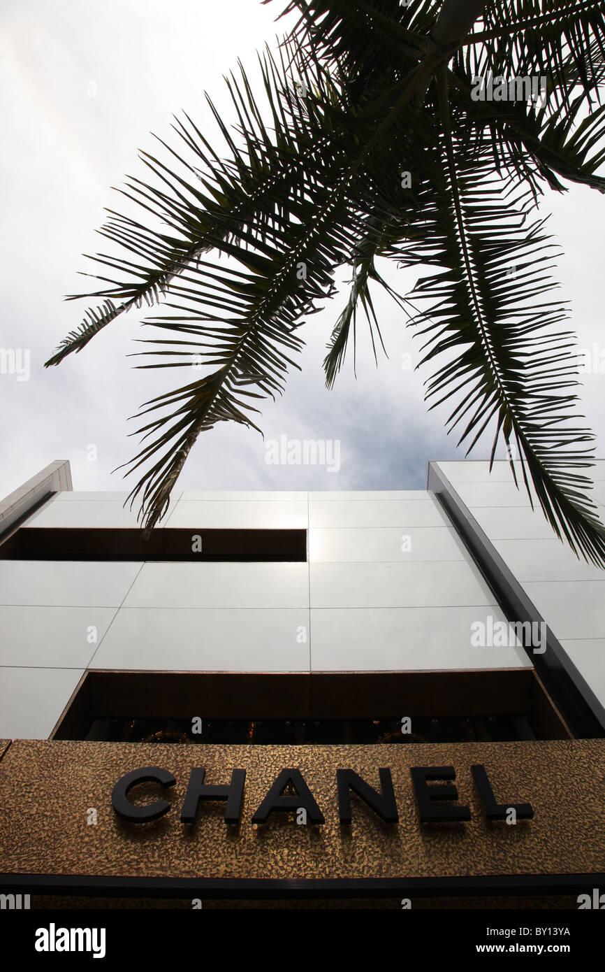 Chanel Sign Stock Photos Amp Chanel Sign Stock Images Alamy