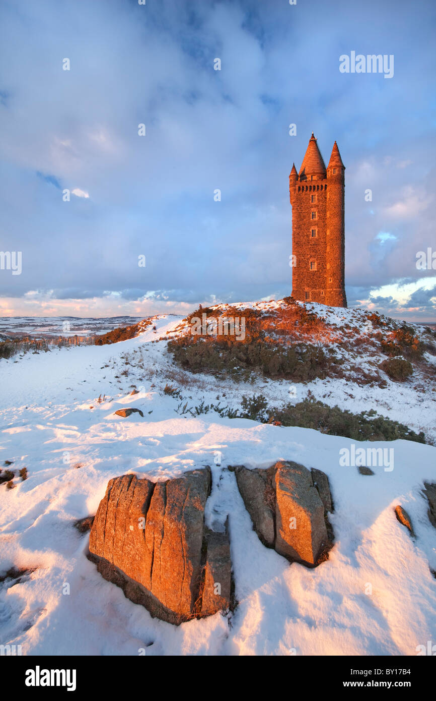 Scrabo Tower under snow fall, Newtownards - Northern Ireland. - Stock Image
