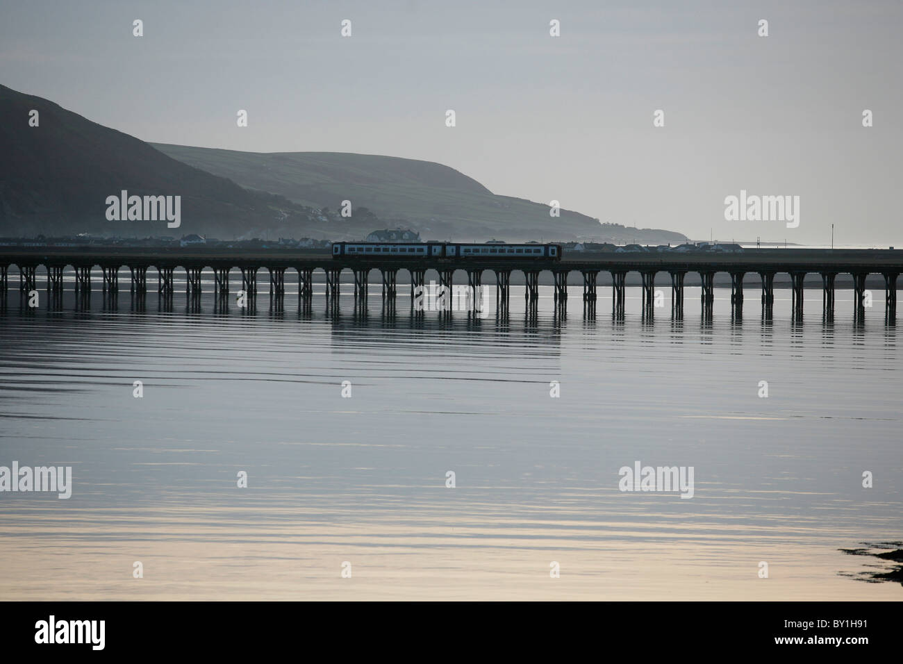 Railway Bridge over the River Mawddach at Barmouth , Wales Stock Photo
