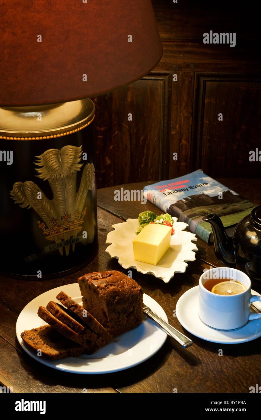 Gilar Farm Snowdonia North Wales Tea And Welsh Cake Or Bara Brith Stock Photo Alamy