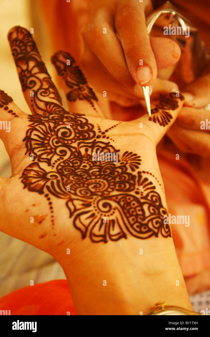 Making Henna Design On Hands Of An Indian Girl Stock Photo 33847593