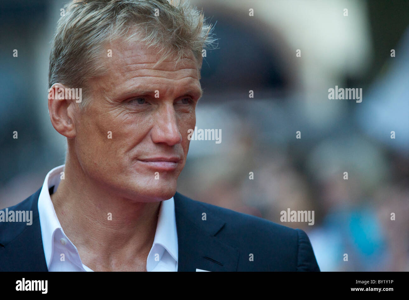 Actor Dolph Lundgren arrives for the premiere of 'The Expendables,' on Monday night, August 9, 2010, at - Stock Image