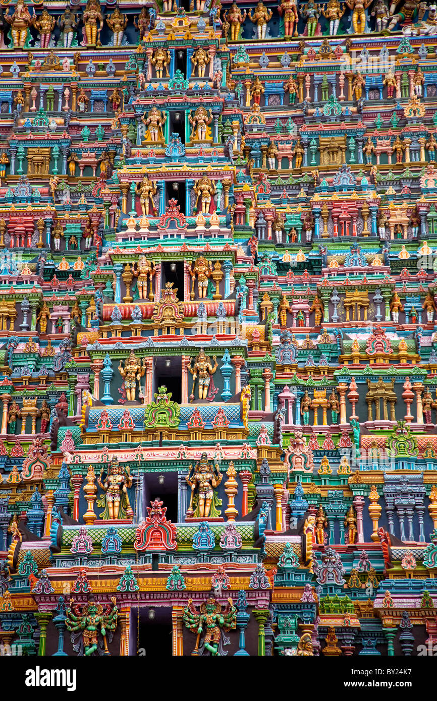 India, Madurai. The stunning and newly renovated carvings on the Meenakshi Sundereshwara Temple. - Stock Image
