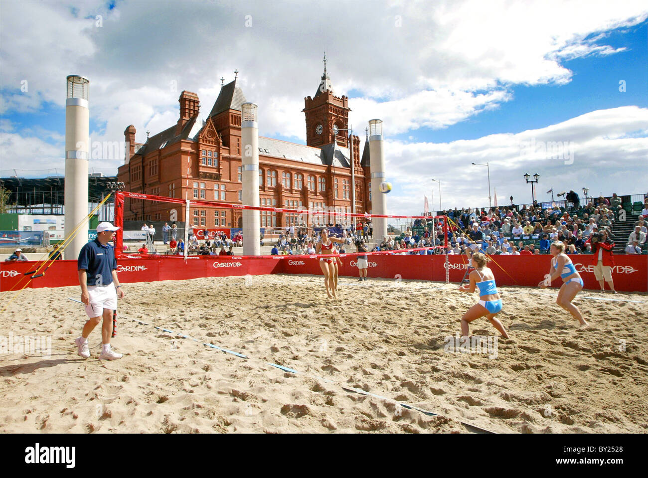 Volleyball at Cardiff Harbour Festival, Cardiff Bay, Cardiff. - Stock Image