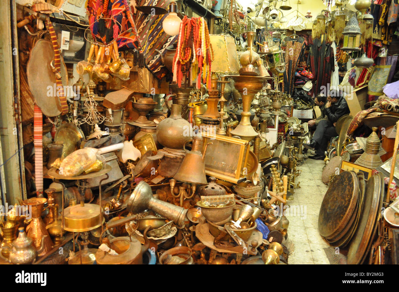 second-hand dealer, junkman in Jerusalem arab souk - Stock Image