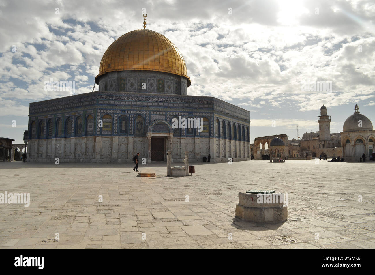 Jerusalem, Temple Mount, golden dome of the rock, clouds, crescent, islam - Stock Image