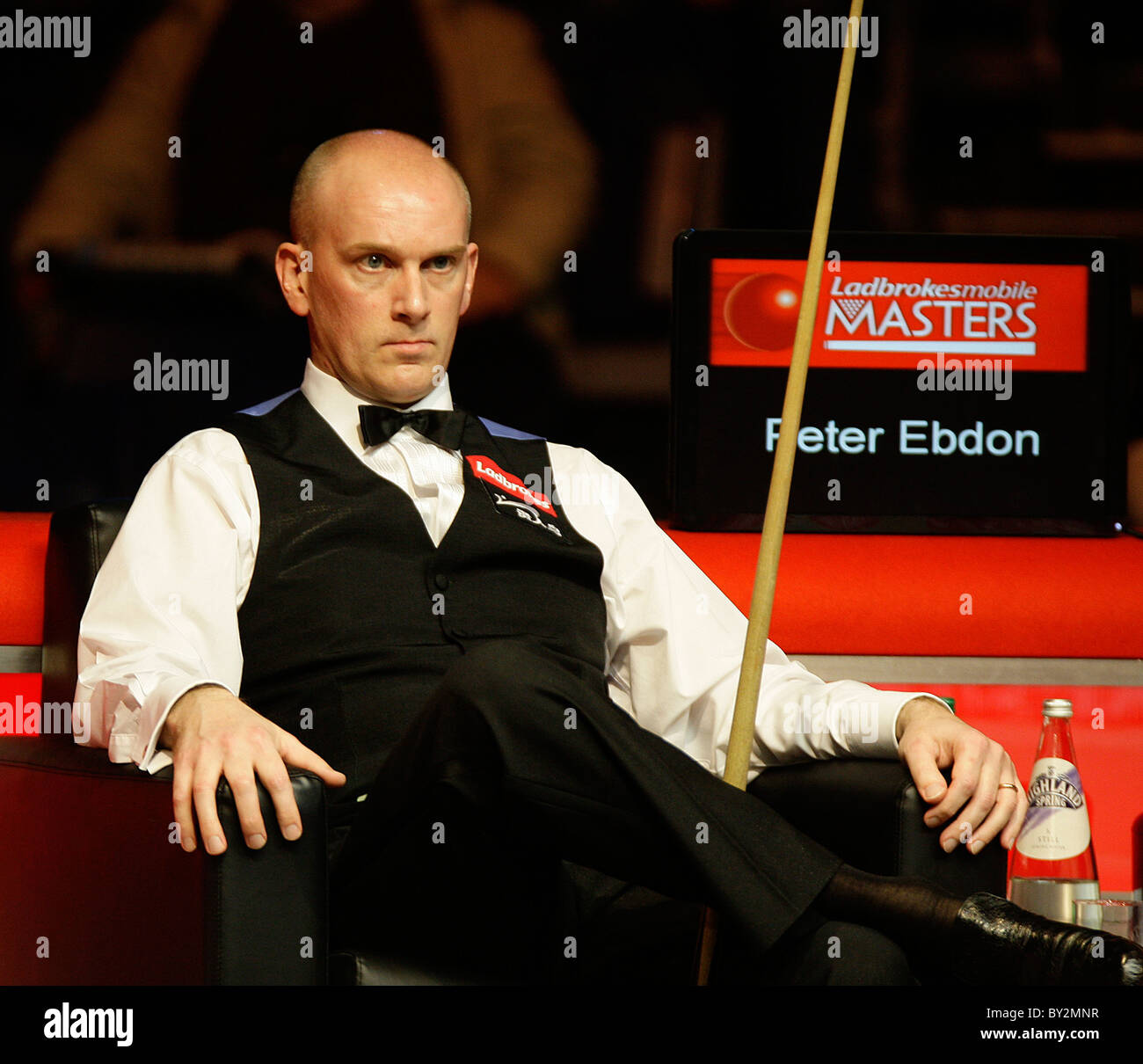 Masters Snooker - Peter Ebdon in action against Marco Fu Stock Photo ...