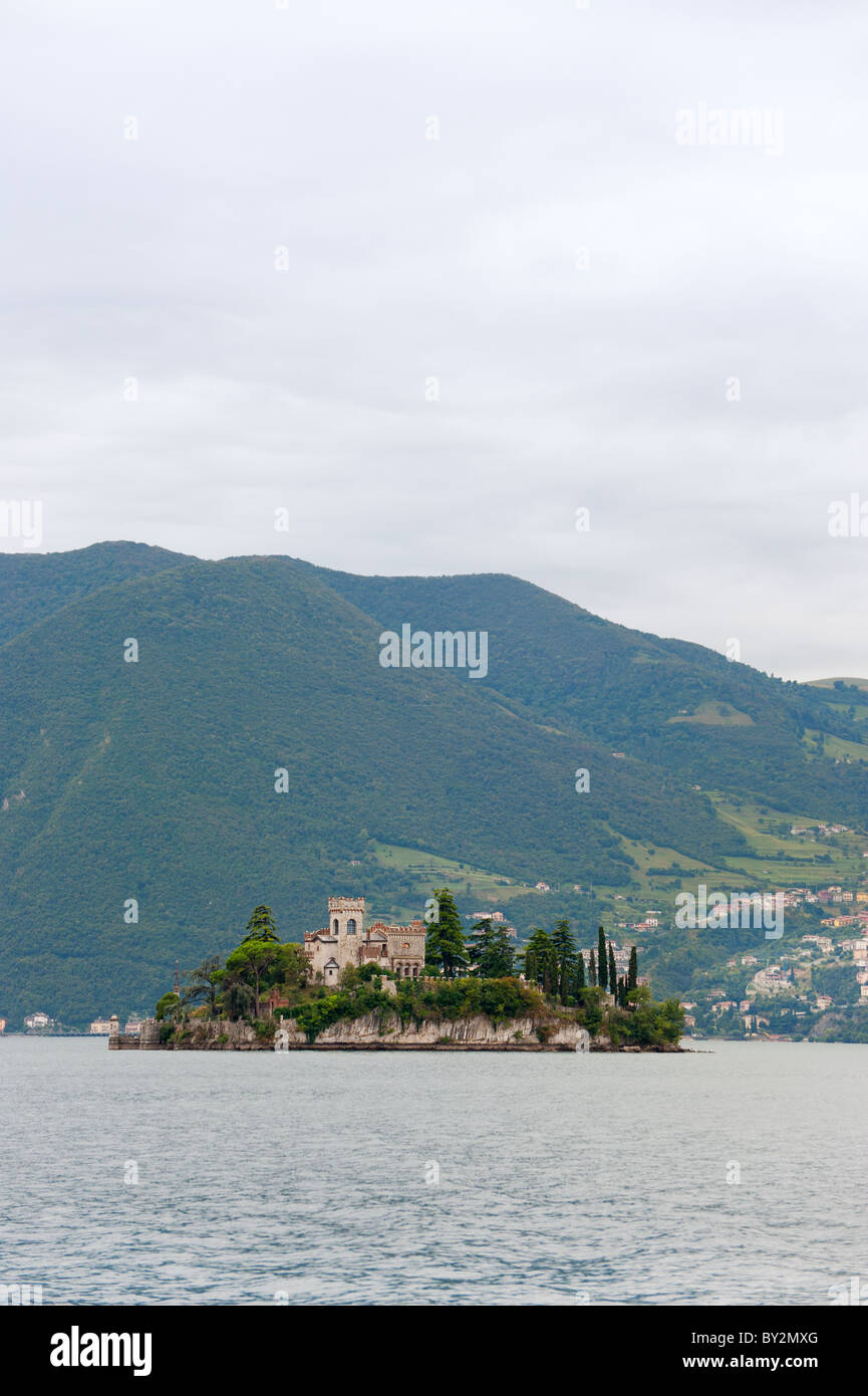 island with castle in the Italian lago d'iseo - Stock Image