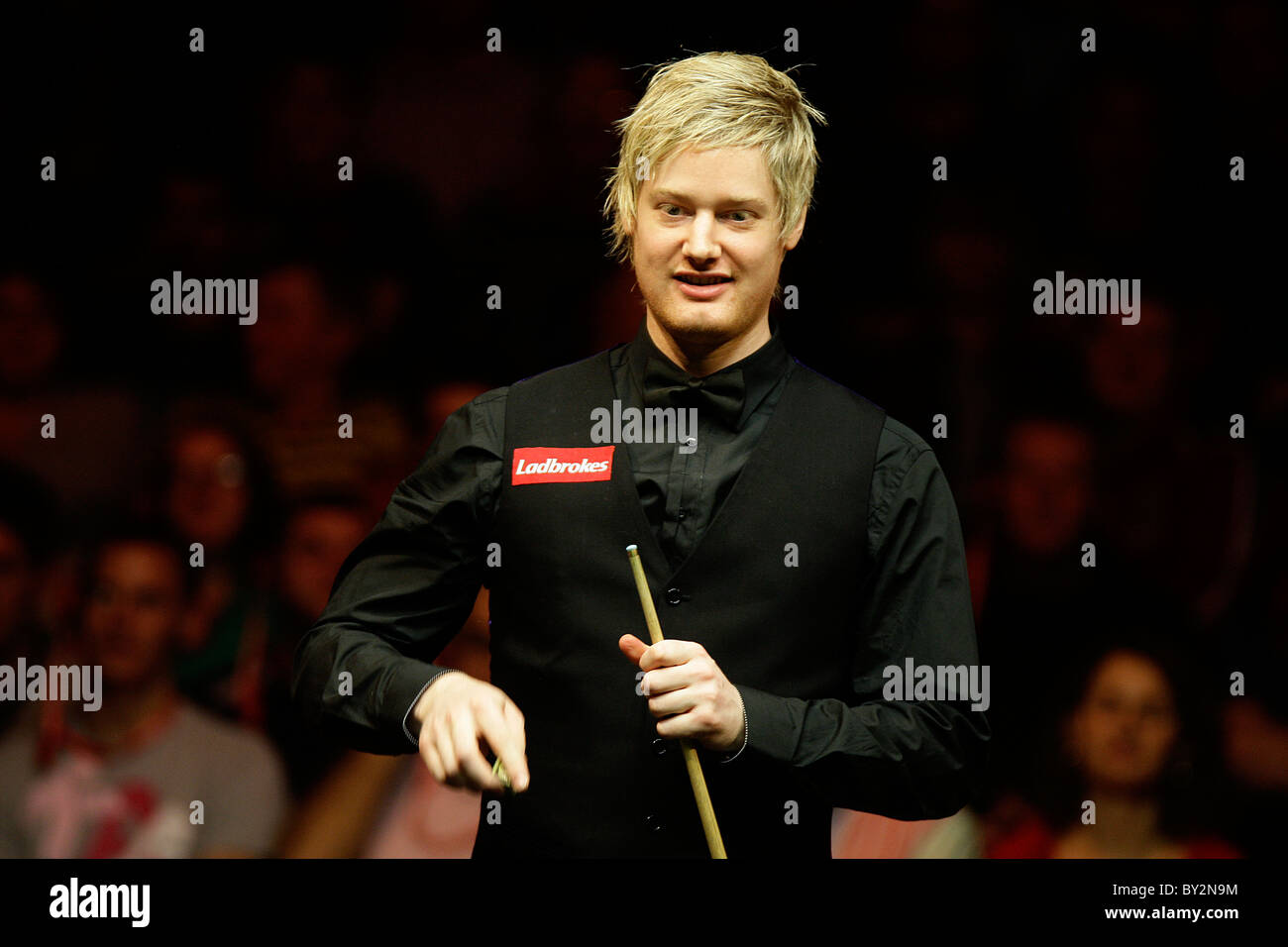 Neil Robertson (Aus) in  action against Mark Allen (NI) - Stock Image