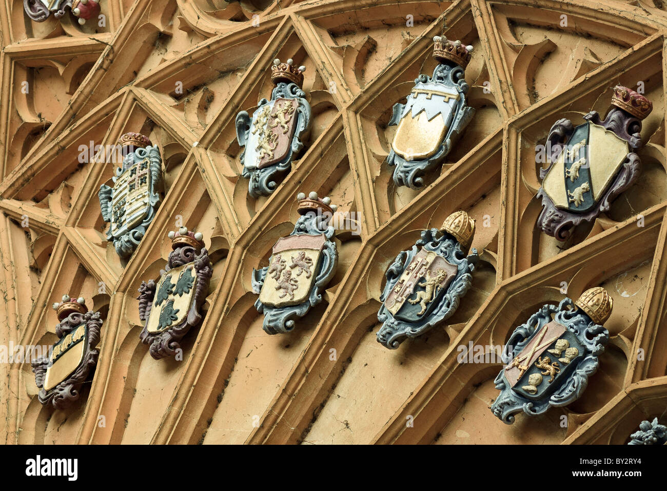UK Oxford Ceiling Mounted Emblems Tom Tower - Stock Image