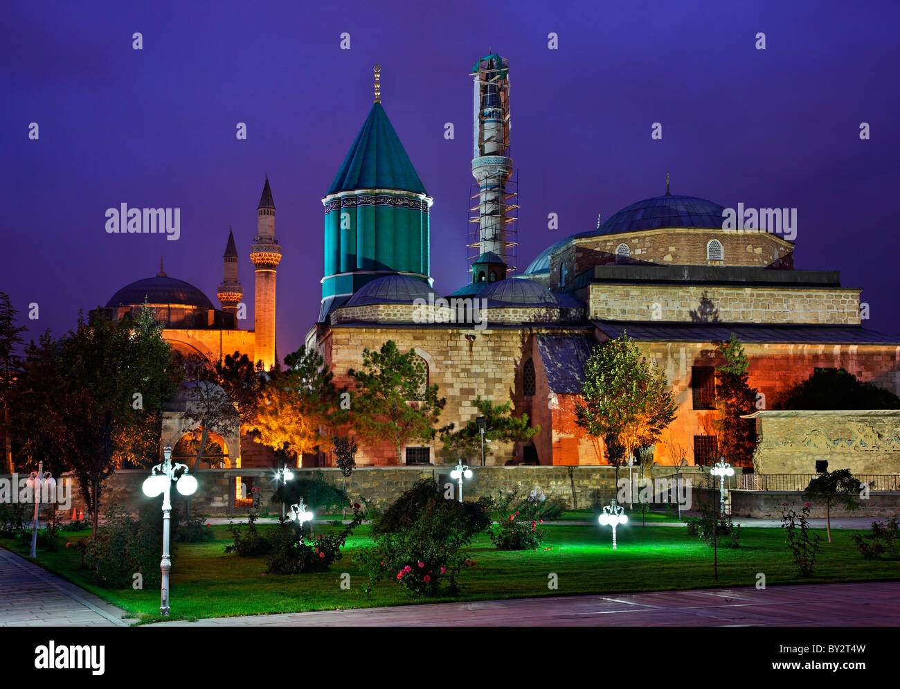 The Mevlana Museum, in Konya, Turkey, in the 'blue' hour, with its famous green-turquoise dome - Stock Image