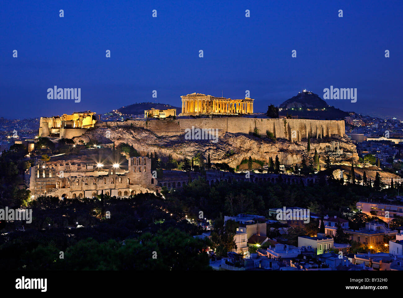 The Acropolis of Athens in the 'blue' hour - Stock Image