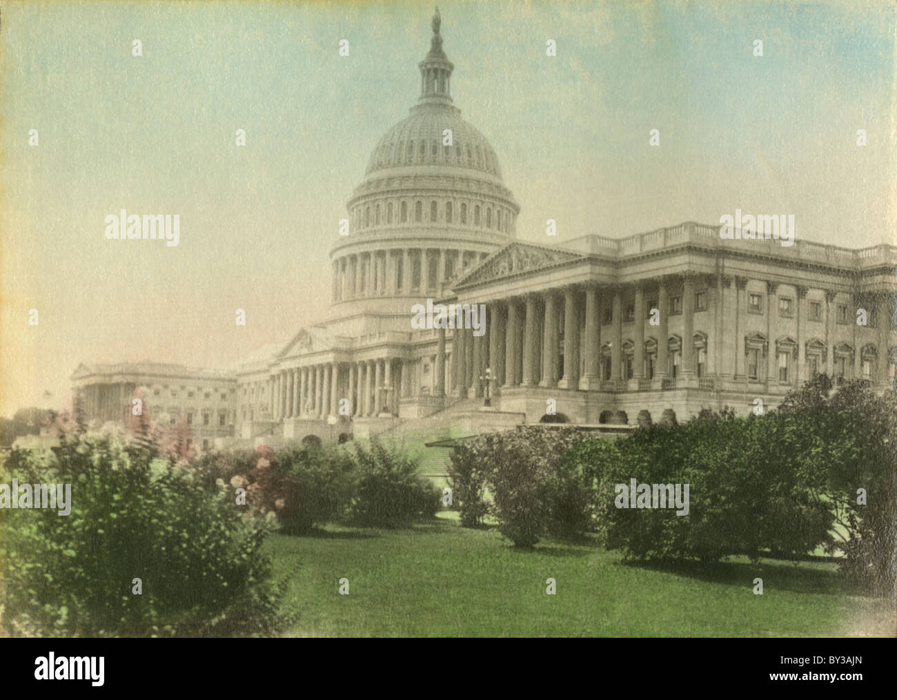 Circa 1910s antique hand-tinted photograph of the US Capitol Building, Washington, DC. - Stock Image