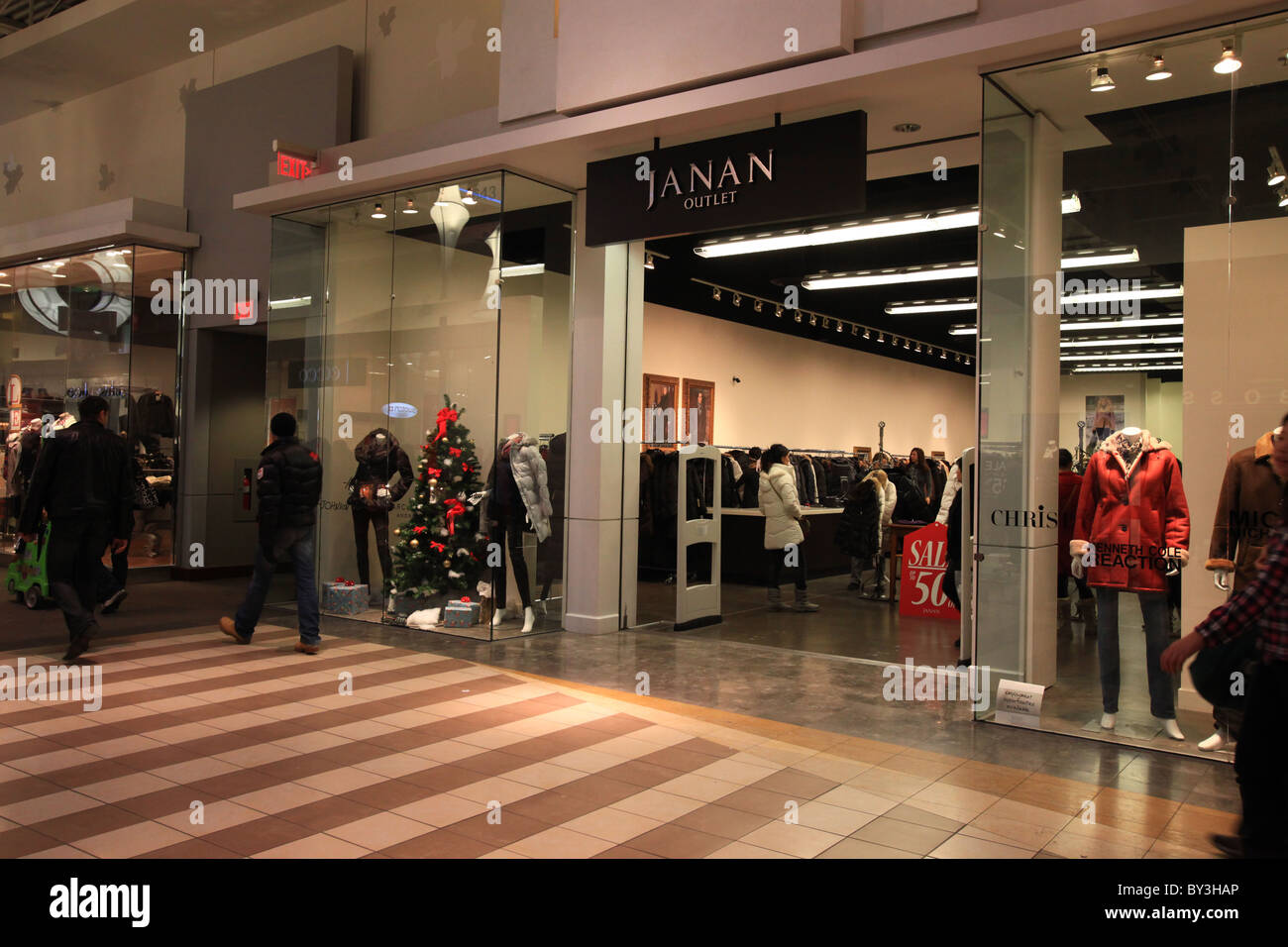 vaughan mills mall shoe stores