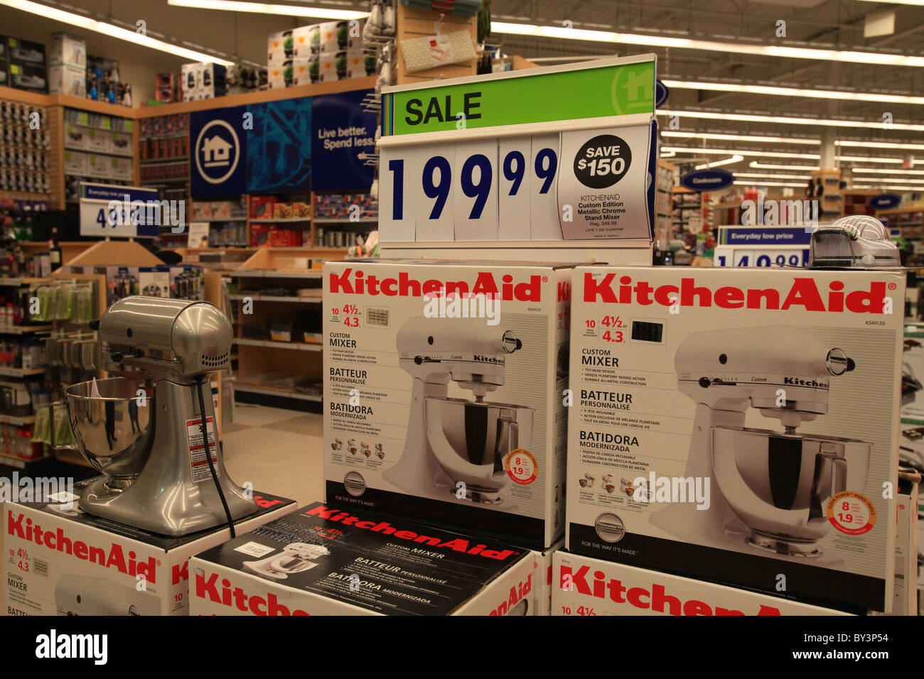 KitchenAid Home outfitters outlet store in Vaughan Mills Mall in Toronto, Canada 2010 - Stock Image