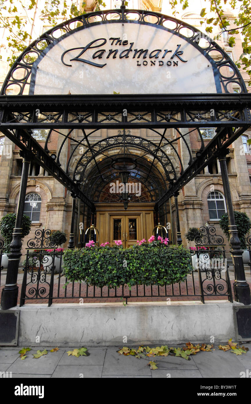 canopy over the entrance to the landmark hotel - Stock Image
