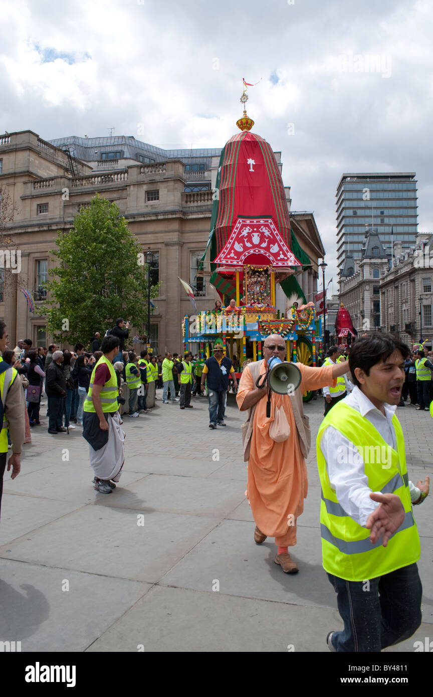 Chariot entering Trafalgar Square for celebration of  Ratha Yatra the Hindu Festival of Chariots, London 2010 Stock Photo