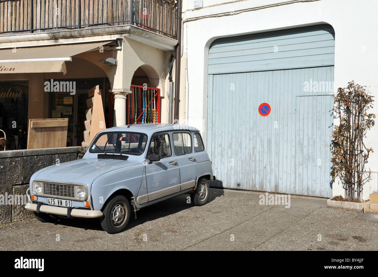 renault classic french car stock photos renault classic french car stock images alamy. Black Bedroom Furniture Sets. Home Design Ideas
