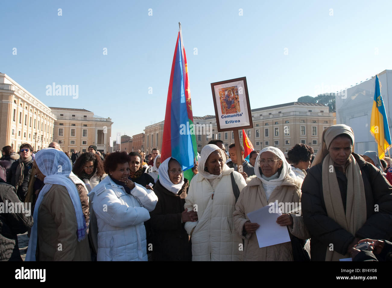 crowd people 'Migrant day' celebration Vatican St Peter saint peter's square eritrea community women - Stock Image