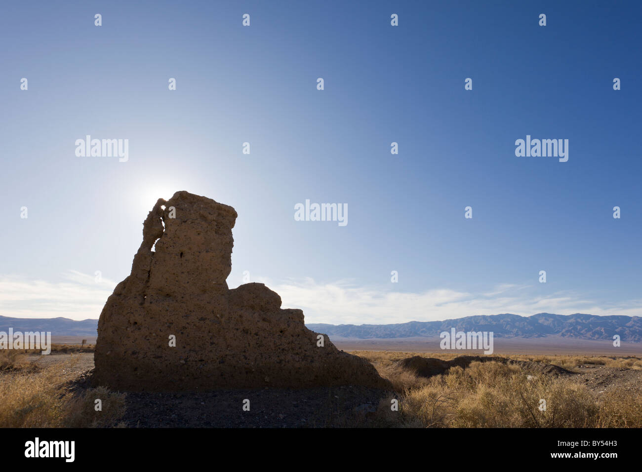 Ruins of the Frank 'Shorty' Harris house in the Death Valley ghost town of Ballarat, California, USA. - Stock Image