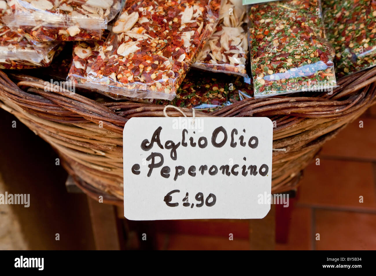 Dried peperoncino chilli flakes for Aglio Olio pasta sauce, Pienza, Tuscany, Italy - Stock Image