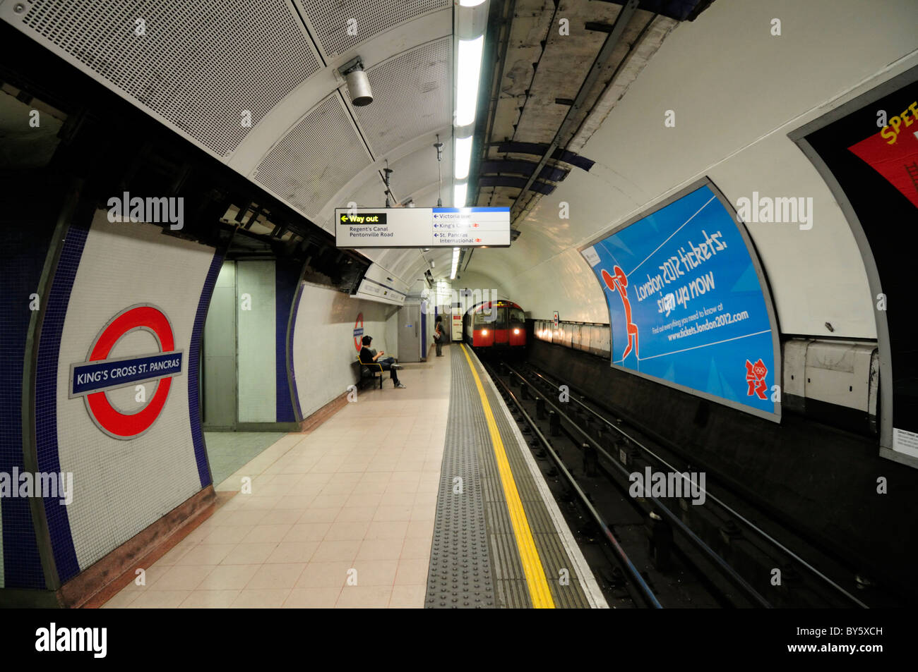 King's Cross St Pancras Underground Tube Station Piccadilly Line Platform, London, England, UK - Stock Image
