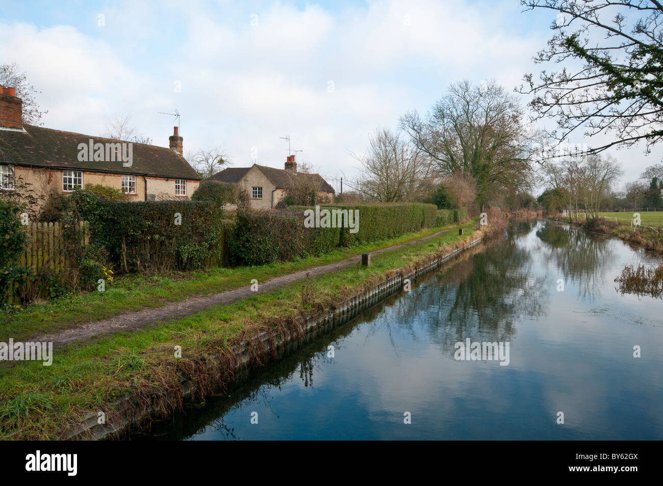 The Basingstoke Canal By The Lift Bridge At North Warnborough Hampshire England - Stock Image