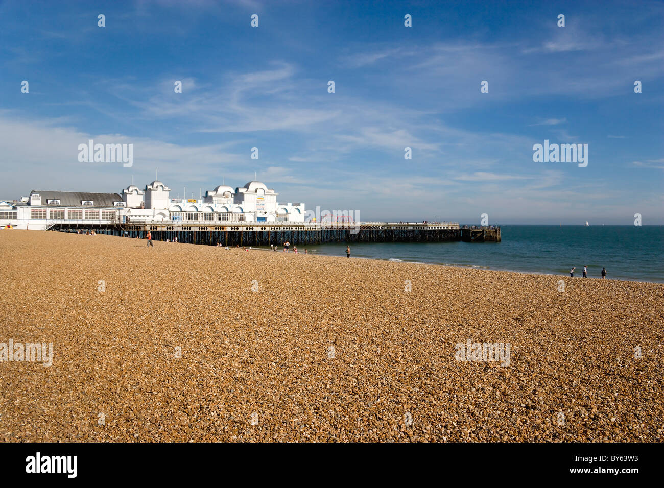 ENGLAND Hampshire Portsmouth South Parade Pier built in 1908 on the seafront in Southsea with the pebble shingle Stock Photo