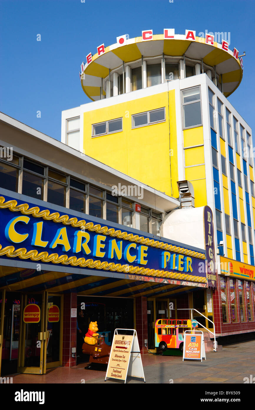 ENGLAND Hampshire Portsmouth Clarence Pier amusement arcade on the seafront in Southsea with fast food Wimpy restaurant Stock Photo