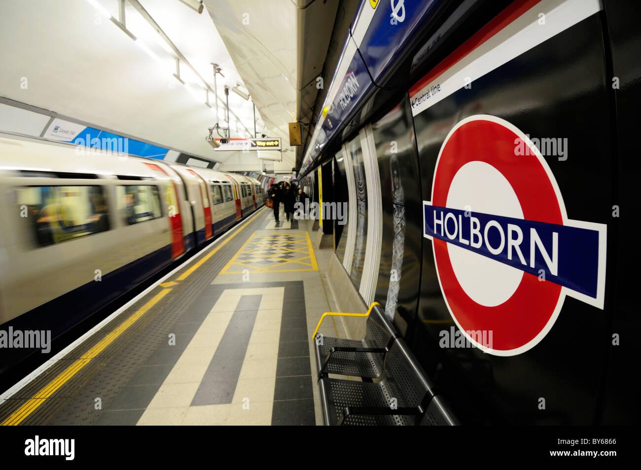 Holborn Underground Tube Station Piccadilly Line Platform, London, England, UK - Stock Image