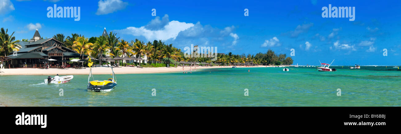 View onto the bay and beach near Bel Hombre, Savanne, Mauritius. - Stock Image
