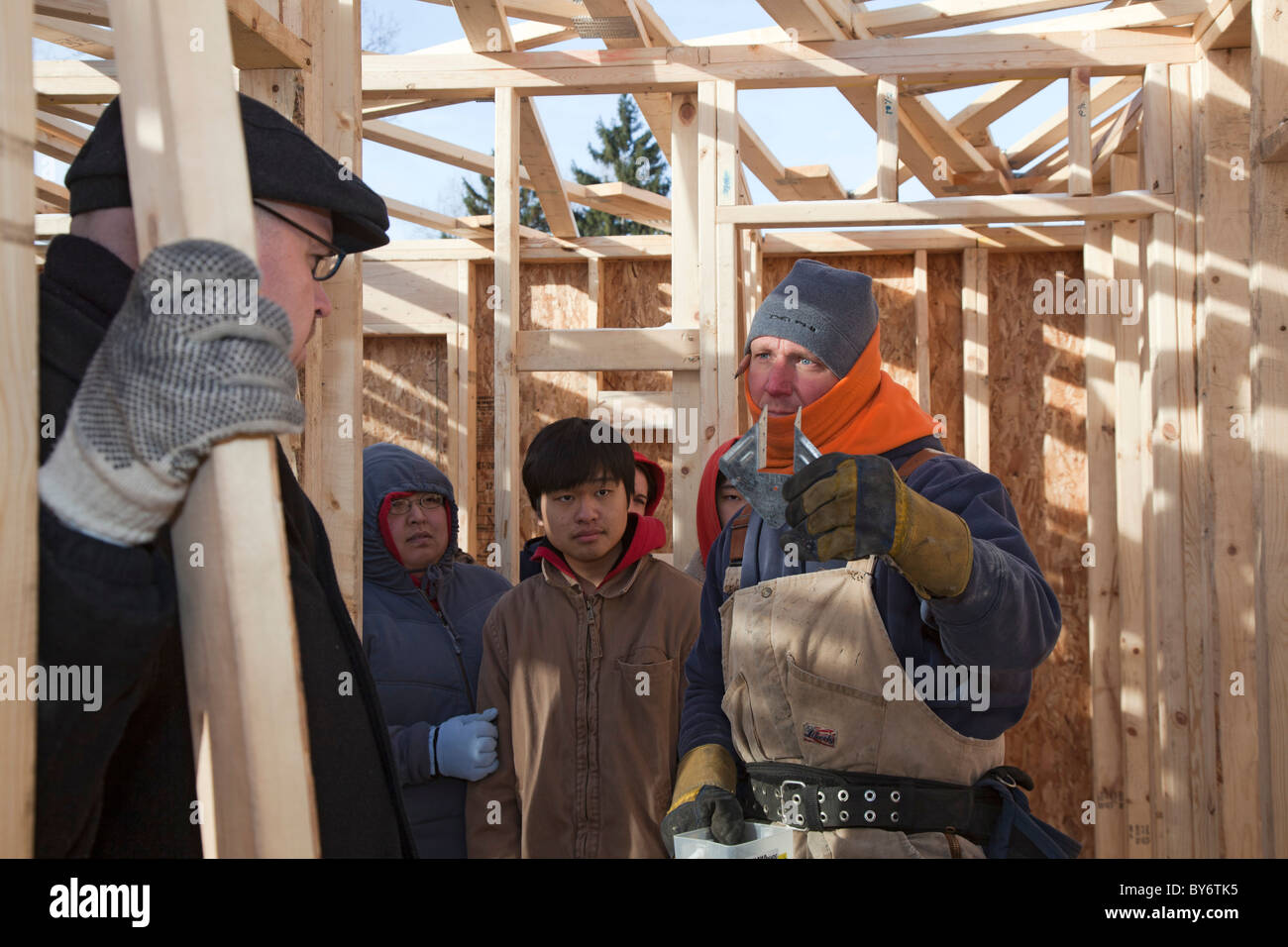 College students help build Habitat for Humanity home on