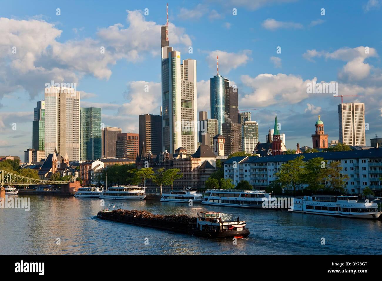 Skyline & Main River early morning, Frankfurt, Hesse, Germany, Europe - Stock Image