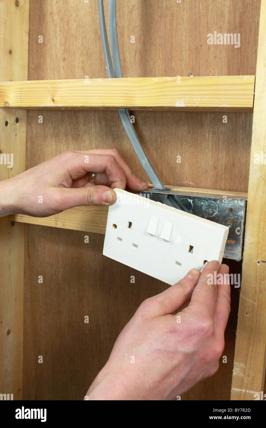 Diy Electrician Installing Mains Wiring And Electrical Sockets In A Uk Timber Framed Wall