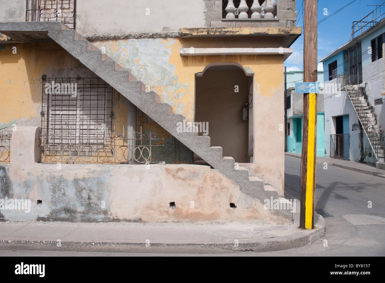 View Of Stairs Outside A House In Cuba Stock Photo 33982627 Alamy