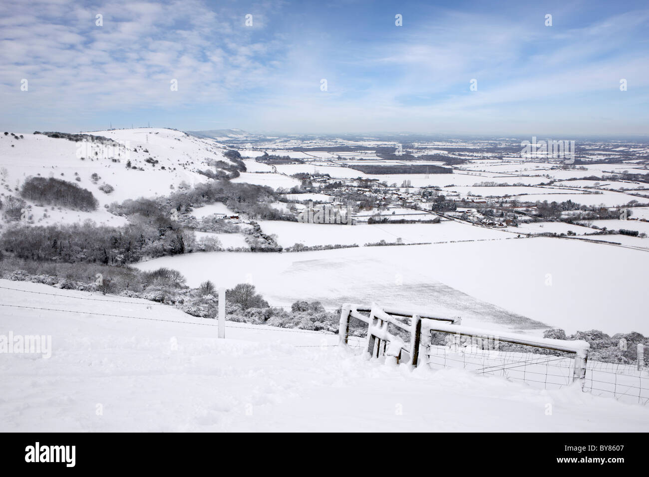 View from Devils Dyke after heavy snow fall across the Sussex Weald and the South Downs National Park. - Stock Image