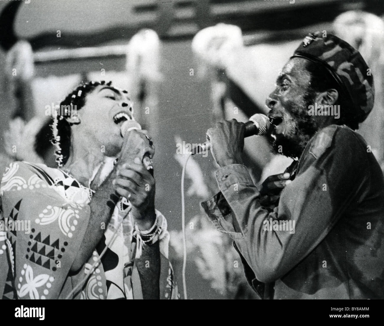JIMMY CLIFF at right duets with Gilberto Gil about 1980 - Stock Image