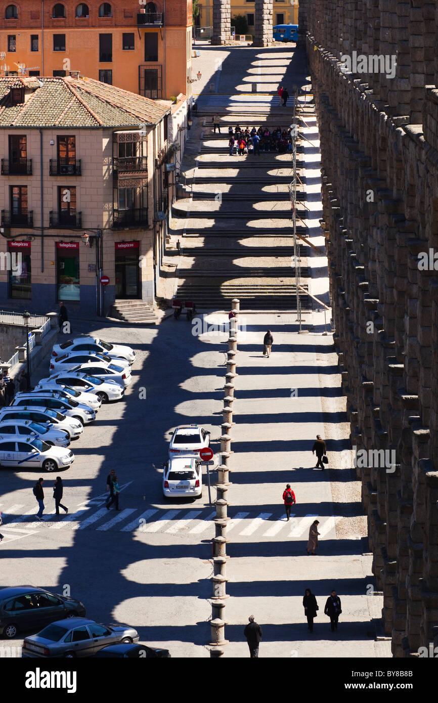 Segovia, Segovia Province, Spain. The Roman aqueduct and shadow. UNESCO World Heritage Site. - Stock Image