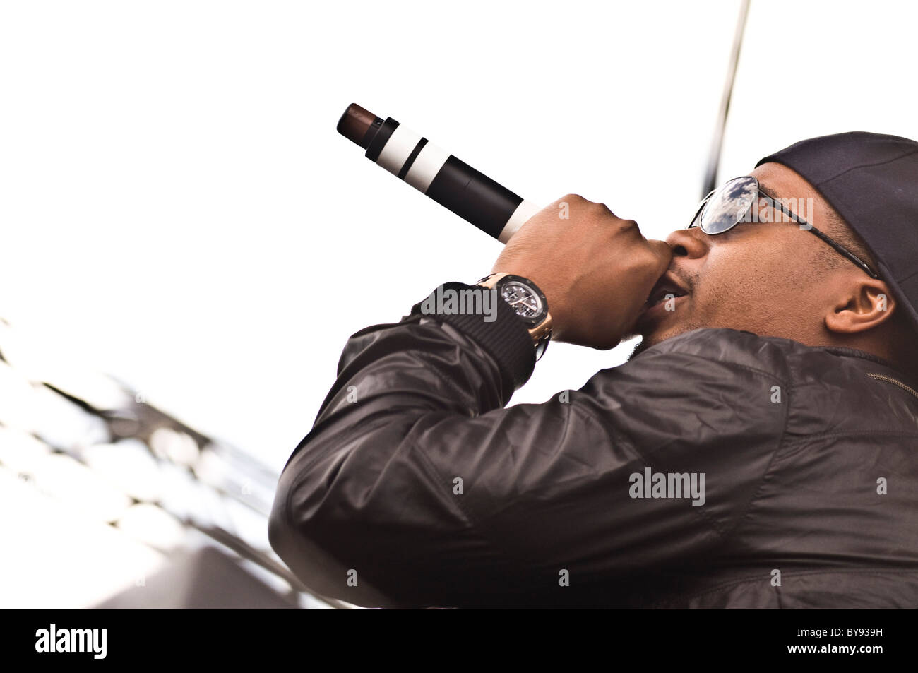 Nas singing live with Damien Marley at Mile High Music Fest 2010. - Stock Image
