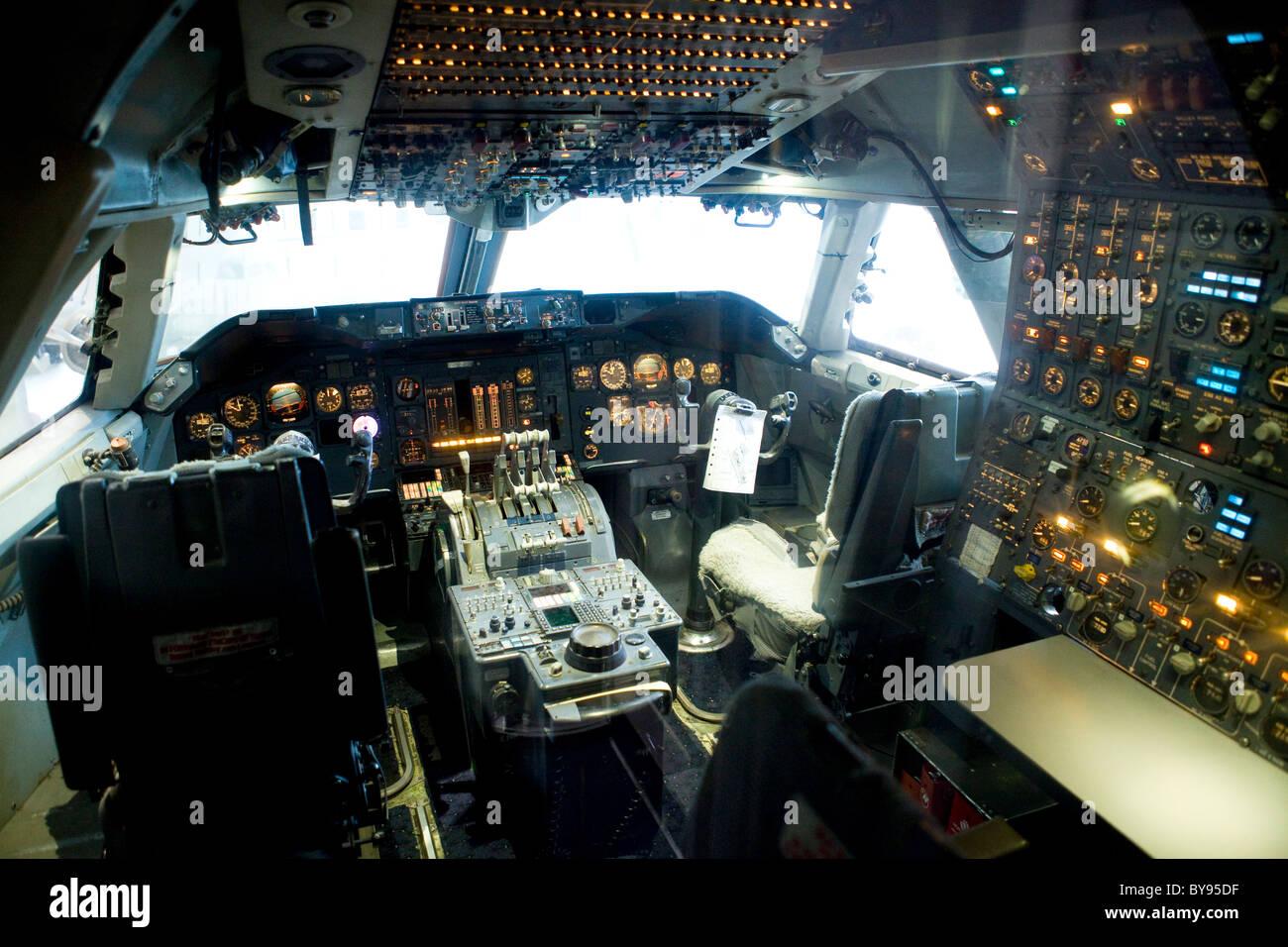 Cockpit view of Boeing 747 Jumbo jet - Stock Image