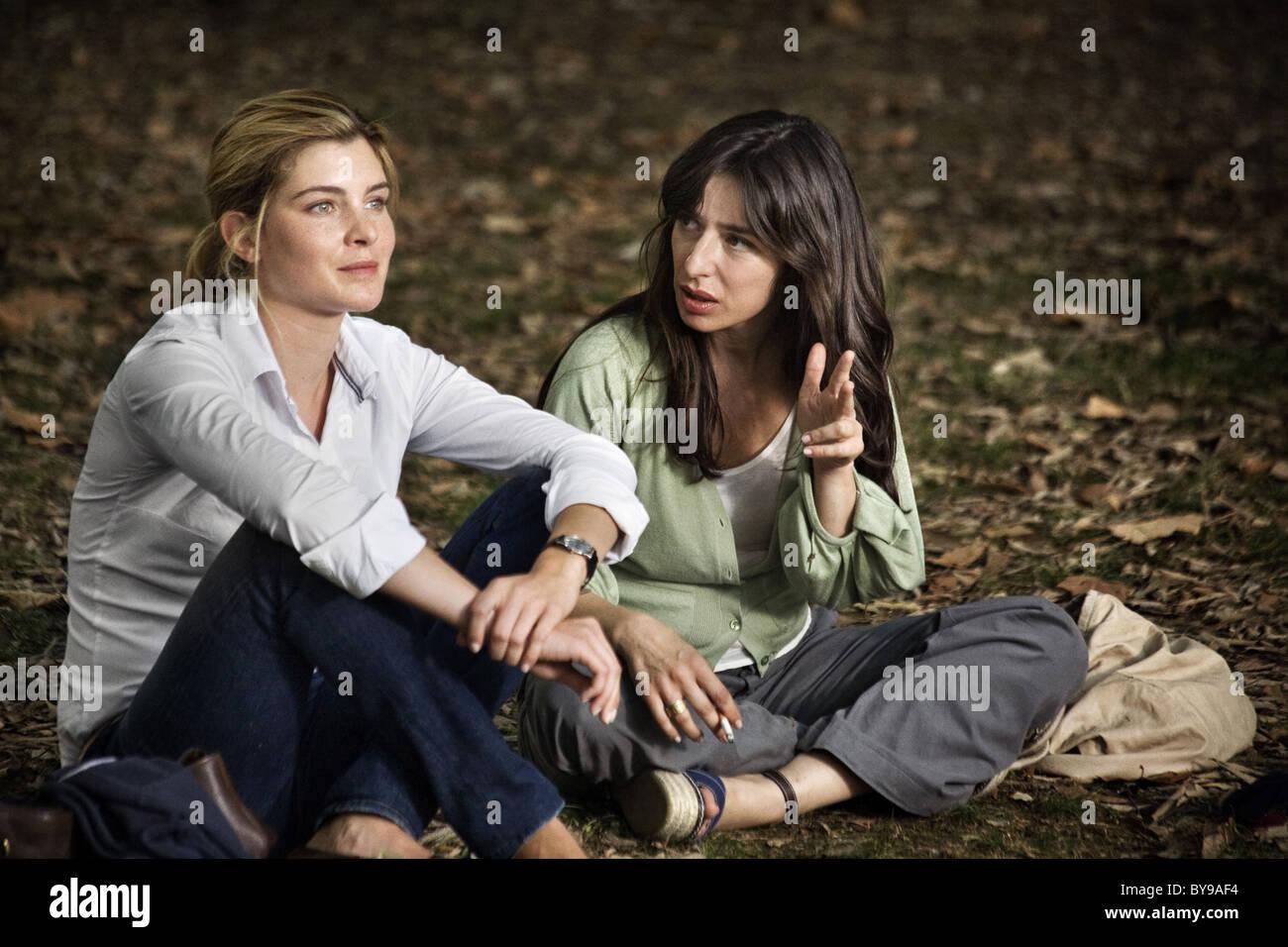 Baciami ancora Kiss me again Year : 2010 Italy Director : Gabriele Muccino Vittoria Puccini, Sabrina Impacciatore - Stock Image