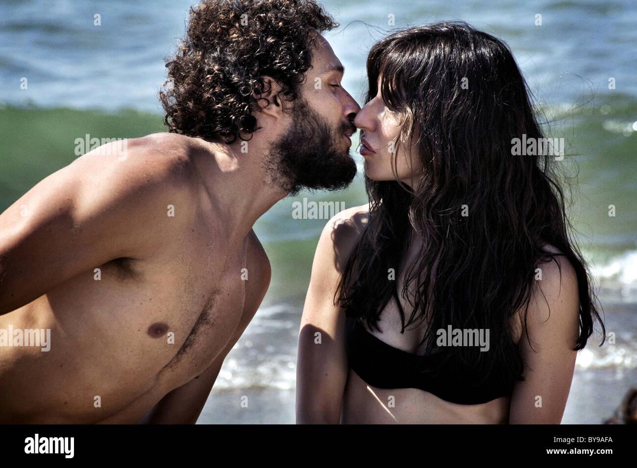 Baciami ancora Kiss me again Year : 2010 Italy Director : Gabriele Muccino Claudio Santamaria, Sabrina Impacciatore - Stock Image