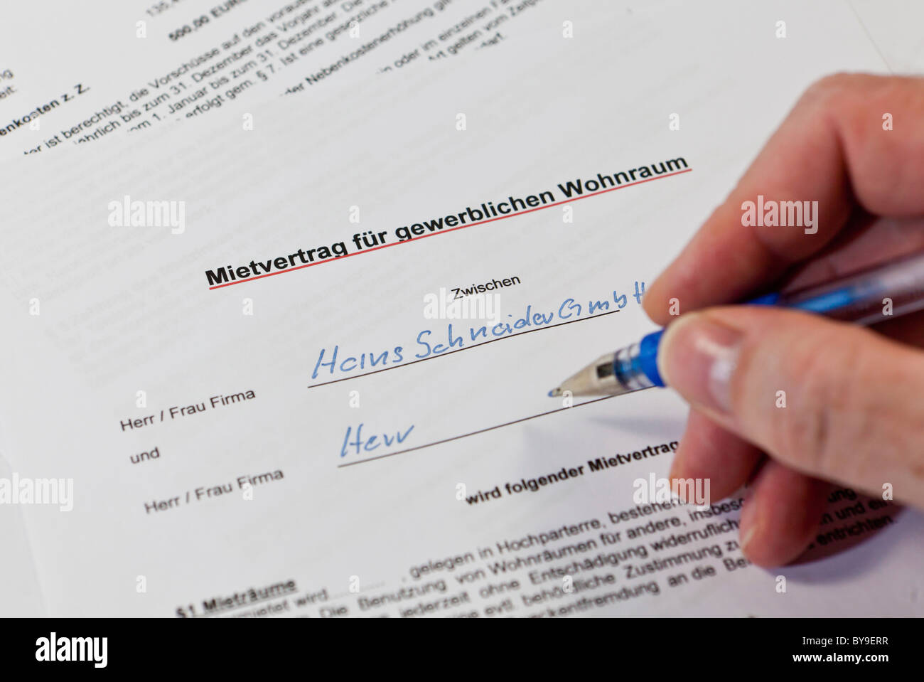 Blank Contract Stock Photos & Blank Contract Stock Images - Alamy