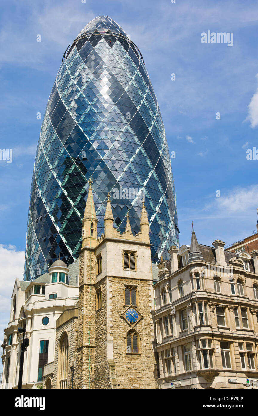 30 St Mary Axe also known as the Gherkin and the Swiss Re Building City of London England UK GB EU Europe - Stock Image