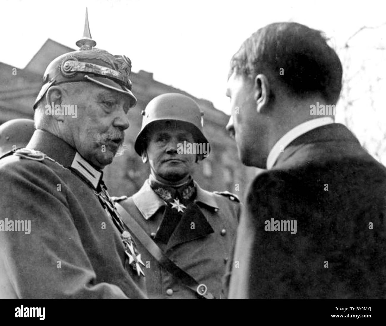 PAUL VON HINDENBURG Prtesident of German with Hitler at right and Werner von Blomberg in  Potsdam 21 March 1933 - Stock Image