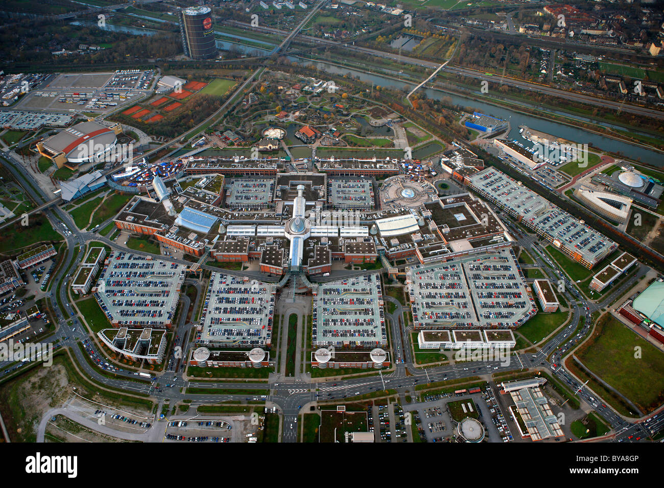 aerial view christmas market centro mall neue mitte oberhausen stock photo 34032342 alamy. Black Bedroom Furniture Sets. Home Design Ideas