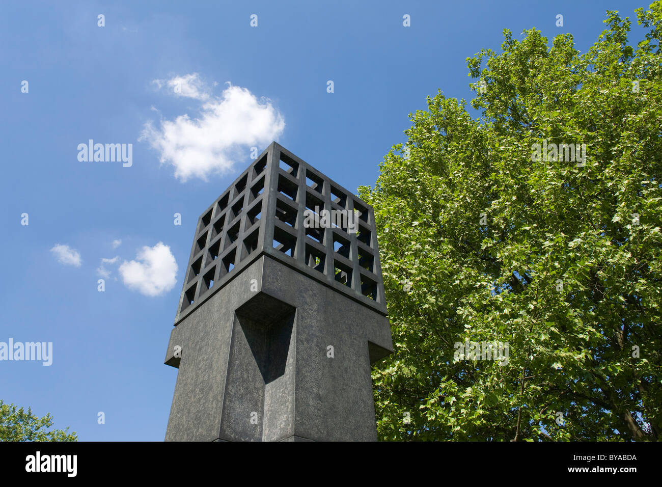 Memorial to the victims of the Nazi tyranny by Andreas Sobeck, 1985, on Platz der Opfer des Nationalsozialismus - Stock Image