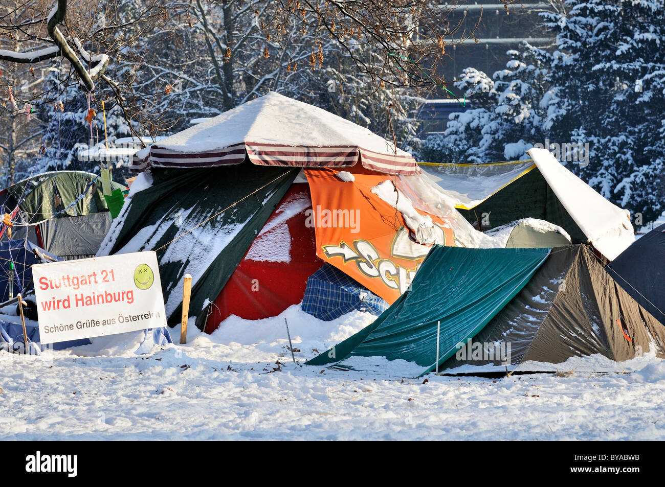 Protest against Stuttgart 21, a controversial urban development and transport project, tents, the Parkschuetzer - Stock Image
